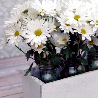 Mason Jar Craft Project: DIY Flower Box!
