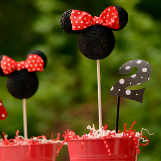 DIY Minnie Mouse Party Decor